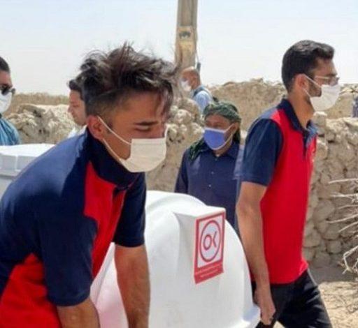 توزیع مخازن هزار لیتری آب در روستای کندوکه